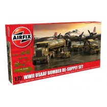 USAAF Bomber Re-supply Set. Autocar U-7144-T 4X4 tractor unit and F-1 fuel trailer. B-17 not included. 1/72
