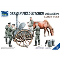 German Field Kitchen with Solider (cook + 3 German soldiers + food containers) 1/35