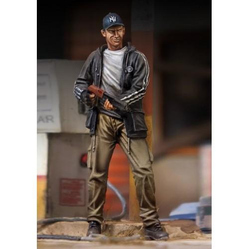 Man with Gun (Zombie hunter) 1/35