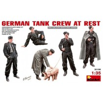 German Tank Crew At Rest 1/35