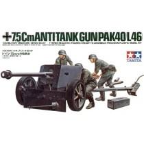 7.5cm Pak-40 (L46) with crew figures  1/35