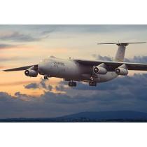C-141B Starlifter 1/144