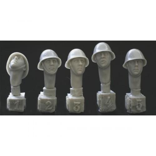 5 heads, Dutch/Romanian steel helmet WWII 1/35