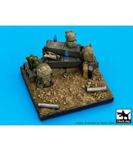 US ARMY BASE 1/35 7x7 ctms.