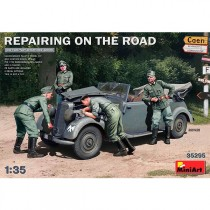 Coche+figuras Repairing on the Road Typ 170V 1/35