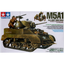 M5A1 with 4 figures 1/35