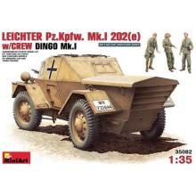 LEICHTER Pz.Kmpf. Mk.I 202(e) w/CREW. DINGO Mk.I 1/35
