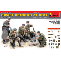 SOVIET SOLDIERS AT REST  1/35