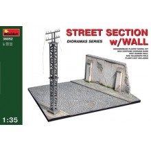 WWII Street Section with ruined wall and telegraph pole 1/35