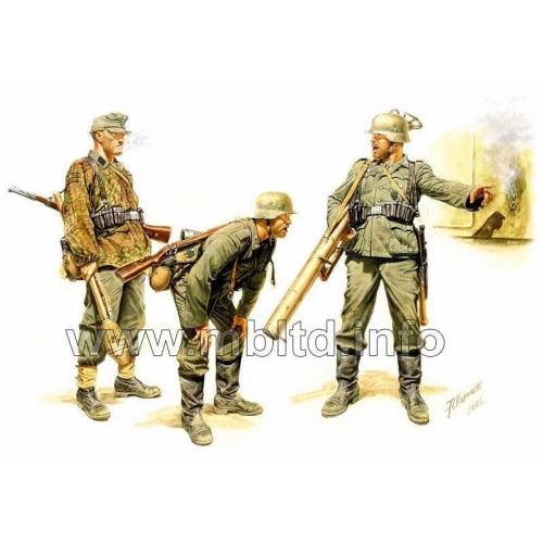 GERMAN TANK HUNTERS, 1944 1/35 MB