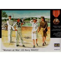 US Navy figures. 2 men, 2 women a parrot and a monkey 1/35