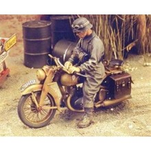 DKW German Motorcycle rider - WWII 1/35