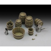 Wine barrels and farm accessories 1/35