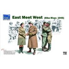 East meet West (Elbe River. 1945) 1/35